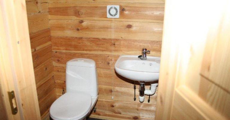 108-07-Ekstra-toilett-oppe
